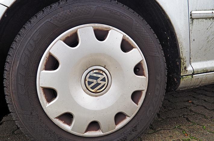 AHD Gebrauchtwagen Fahrzeugaufbereitung Felge vorher
