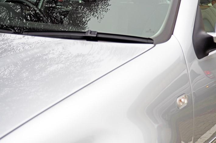 AHD Gebrauchtwagen Fahrzeugaufbereitung Motorhaube nachher