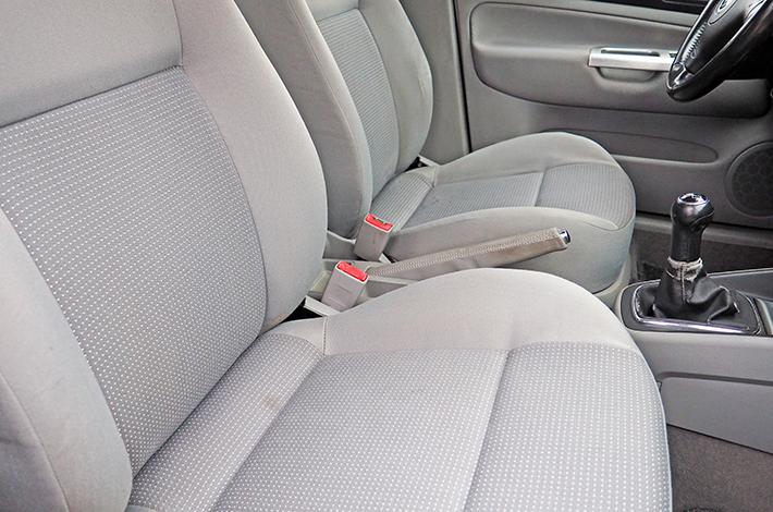 AHD Gebrauchtwagen Fahrzeugaufbereitung Sitze nachher
