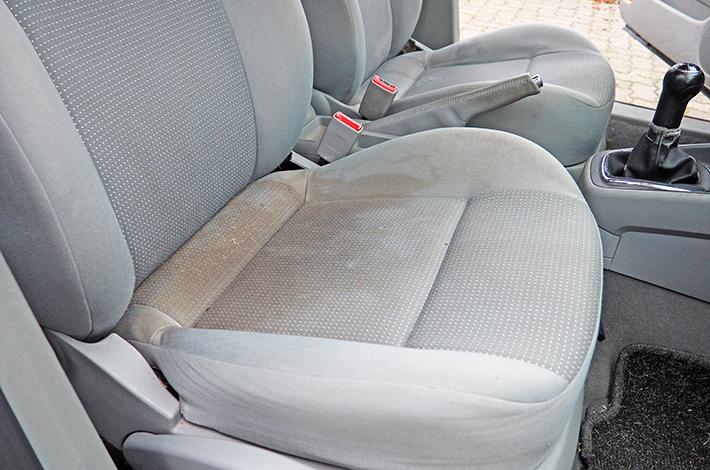 AHD Gebrauchtwagen Fahrzeugaufbereitung Sitze vorher